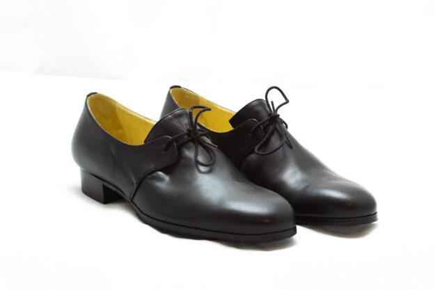 calzatura nero con lacci nicolao atelier