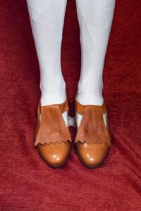 calzatura pantofola cognac con frangia nicolao atelier