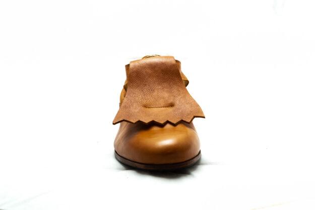 calzatura pantofola cognac con frangia nicolao atelier 2
