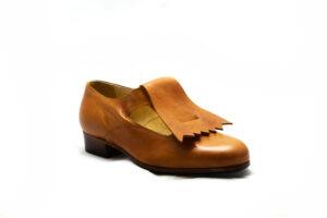 calzatura pantofola cognac con frangia nicolao atelier 4