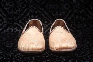 pantofola gialla con disegno donna nicolao atelier 4