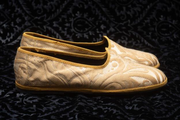 pantofola gialla con ricami donna nicolao atelier 2