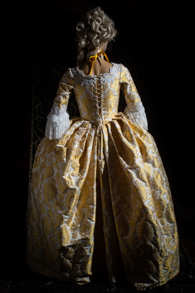 costume taglio storico lampasso donna nicolao atelier venezia 3