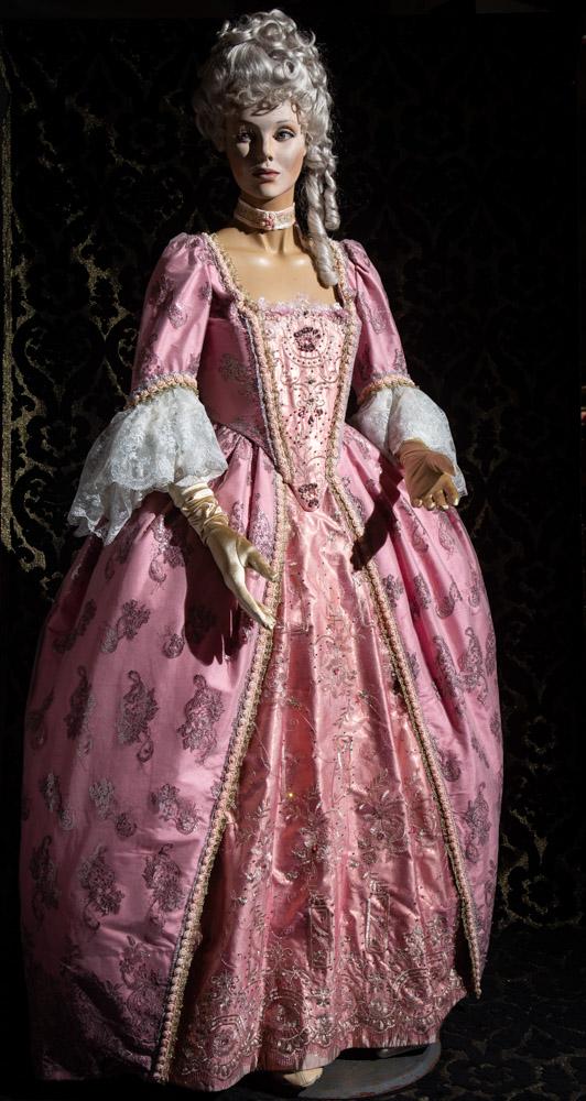 abito d'epoca di taffetas rosa nicolao atelier venezia