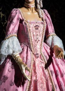 abito d'epoca di taffetas rosa nicolao atelier venezia 1
