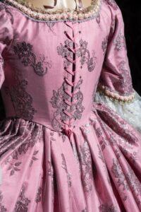 abito d'epoca di taffetas rosa nicolao atelier venezia 4