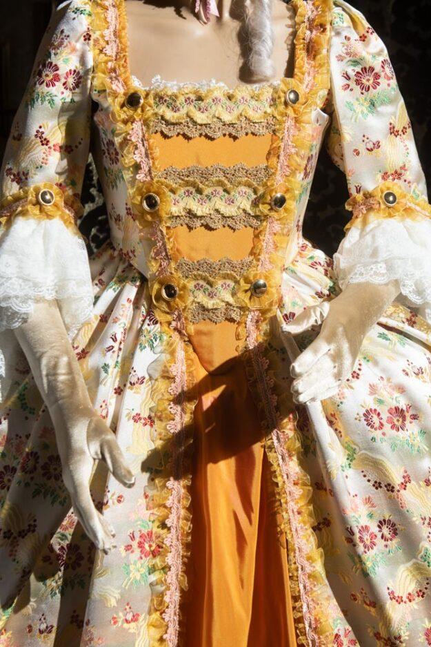 costume d'epoca donna in liseré fiorato nicolao atelier venezia 3