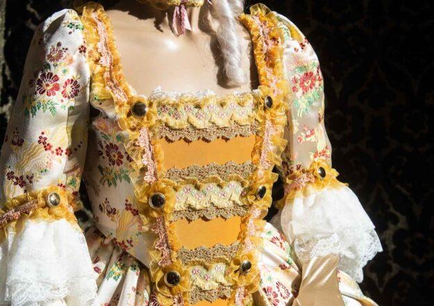 costume d'epoca donna in liseré fiorato nicolao atelier venezia 4