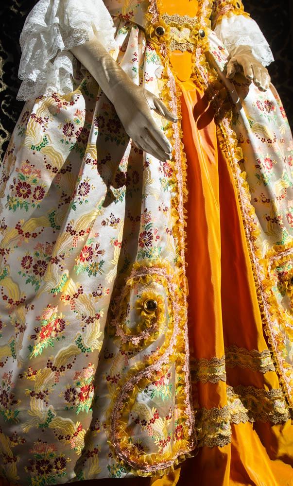 costume d'epoca donna in liseré fiorato nicolao atelier venezia 5